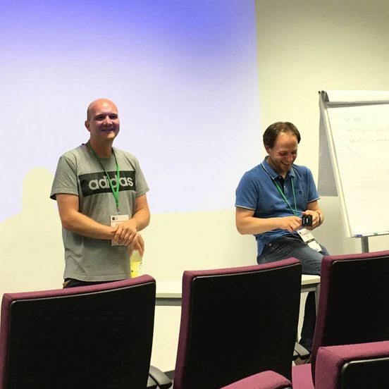 Marc Willmann und Andreas Wolf aus dem Education Commitee